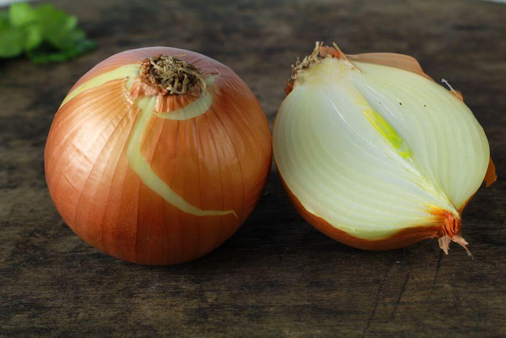 Benefits of Onions as Cold Medicine and Preventing Cancer