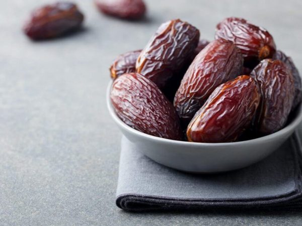 Dates and Honey Can Diabetics Eat or Not during Fasting?